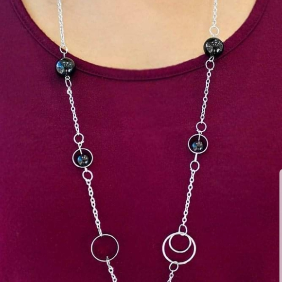 5 for $30 ~~ Paparazzi necklace earrings